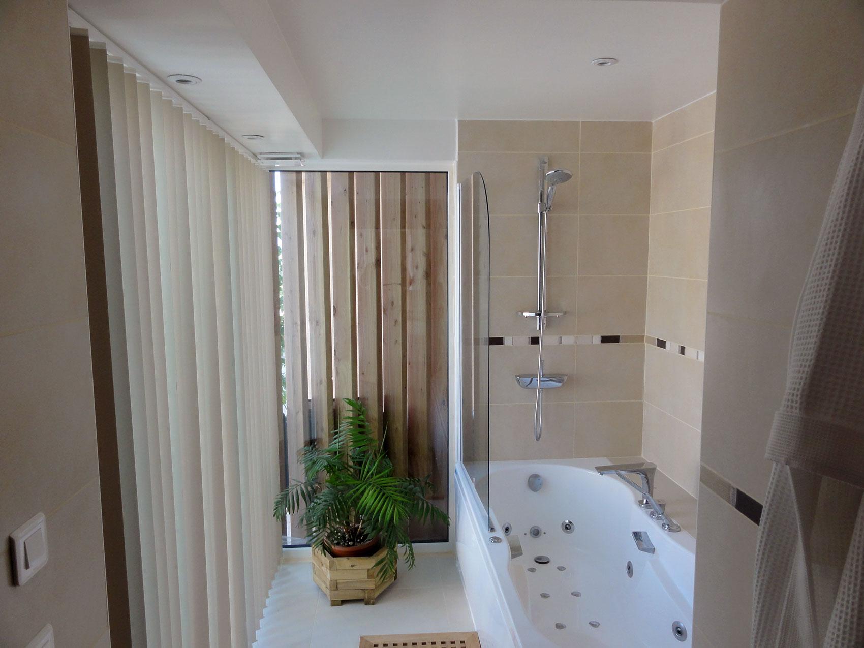 Nouvelle salle de bain dans l'ancienne loggia